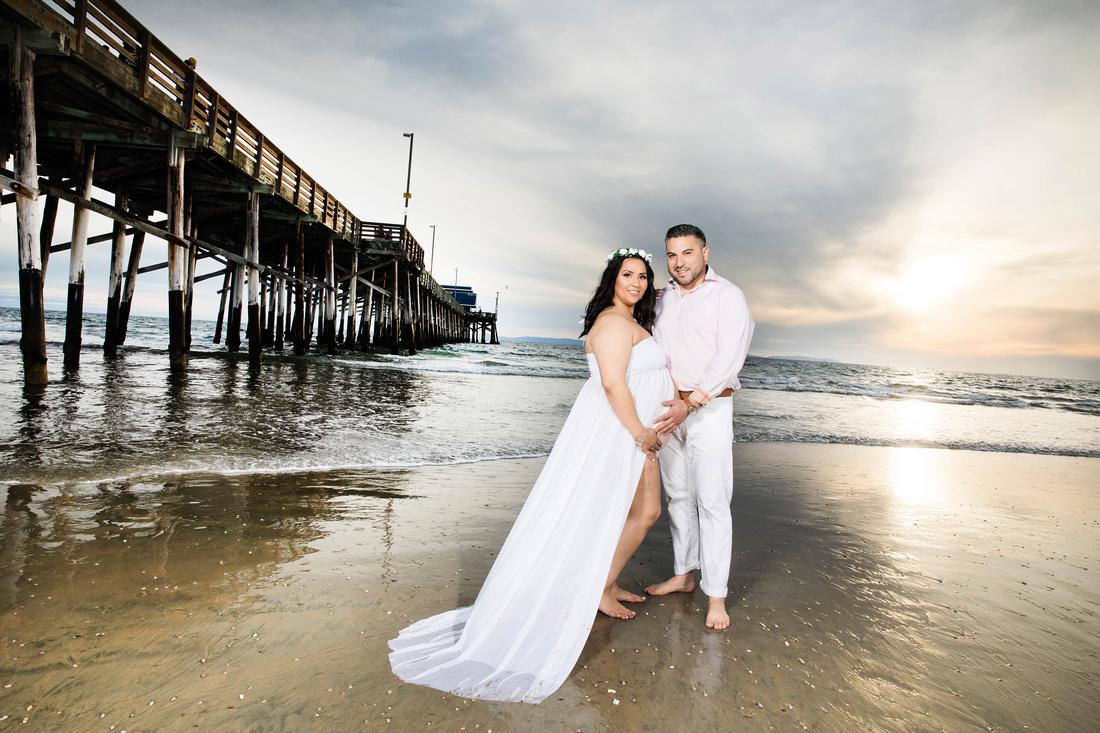 maternity photographer newport beach pier HG4A6622_pp