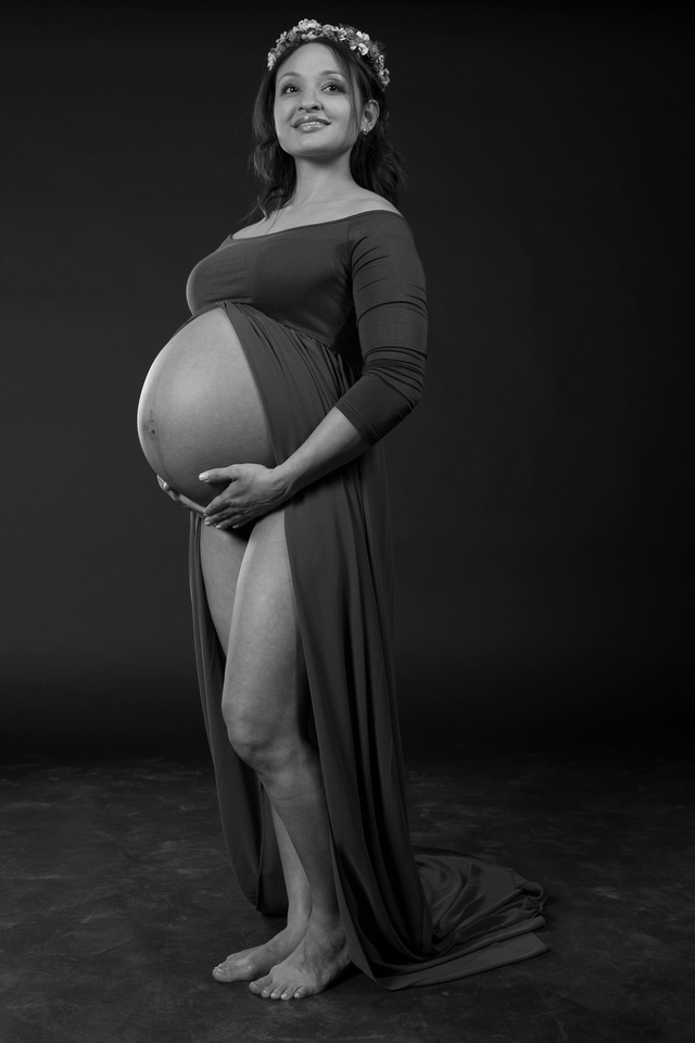 Awesome Shoot today at my studio in #NewportBeach #MaternityPhotographer #MaternityPortraits #MaternityPhotography #PregnancyPortraits #PregnancyPhotographer #PregnancyPhotography #NewportBeachPhotographer