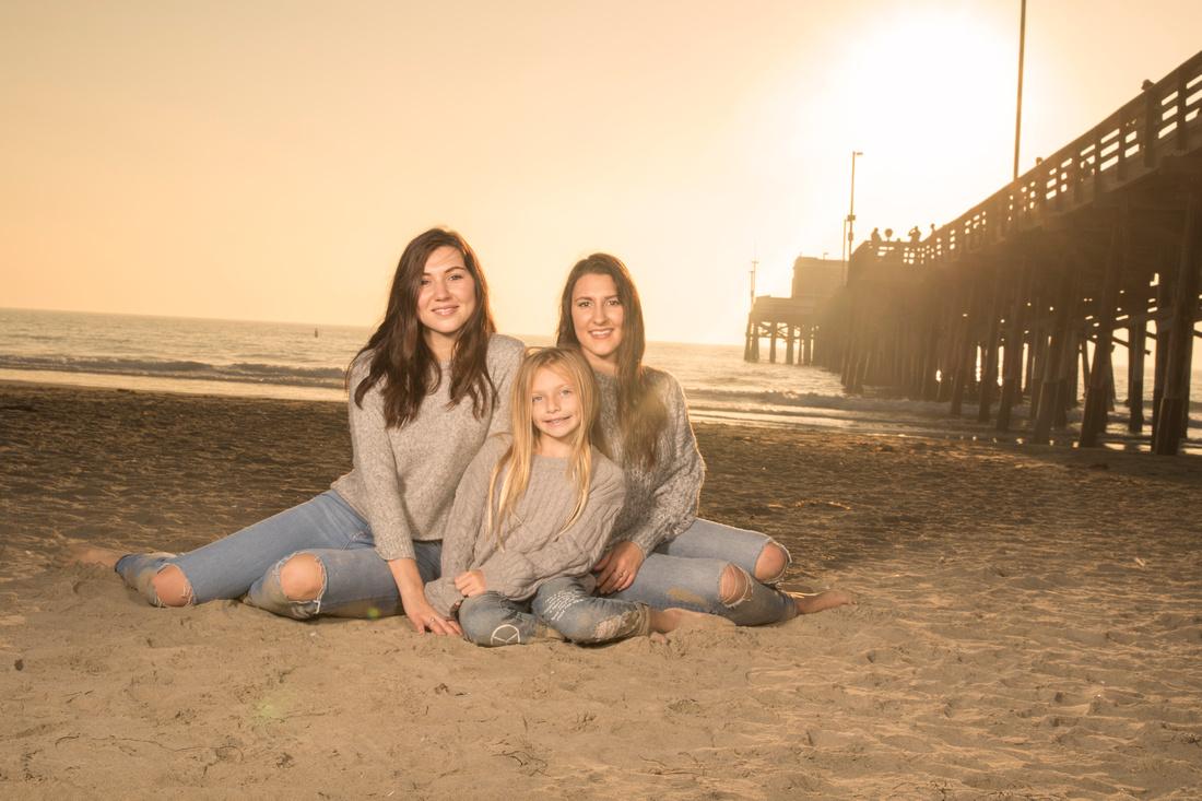 family portrait on the beach glenn inskeep photography